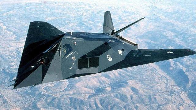 作為世界上第一款隱身戰斗轟炸機,F-117A為何早早退役?